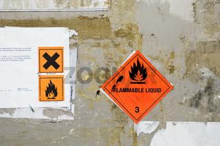 Warnhinweis Gefahrstoff
