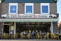 Restaurant De Groene an der Hafenpromenade