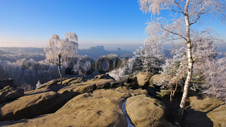 Elbsandsteingebirge im Winter Carolafelsen - Elbe sandstone mountains in winter and hoarfrost