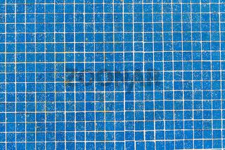 Hellblaue Mosaikfliesen