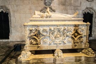 Tom of Vasco da Gama inside the Jeronimos Monastery (Lisbon, Portugal)