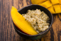 Tapioca pudding with slices of mango