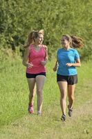Zwei Frauen beim Joggen / Two women running
