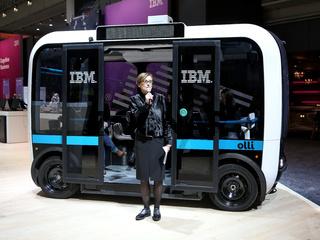 CeBIT 2017 - autonom fahrender Bus 'Olli'