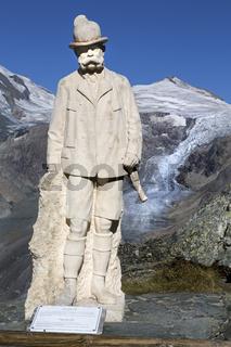 Kaiser-Franz-Josefs-Denkmal auf der Kaiser-Franz-Josefs-Höhe, Nationalpark Hohe Tauern, Kärnten, Österreich, Europa
