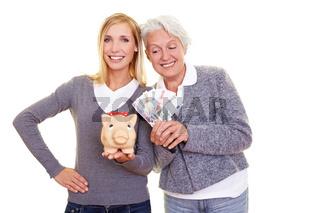 Frauen vergleichen Ersparnisse