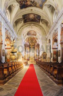 Altar der Stadt Pfarrkirche Sankt Veit in Krems, Wachau, Waldviertel, Niederösterreich, Österreich - Altar of parish church St Veit  in  Krems, Wachau Region, Waldviertel Region, Lower Austria, Austria