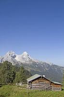 hut in wetterstein mountains