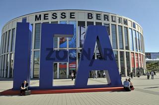 Eingang zur Internationalen Funkausstellung IFA in Berlin