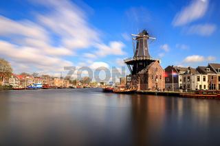 Mill de Adriaan in Haarlem