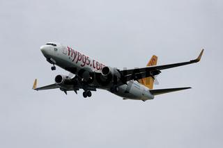 Pegasus Airlines - Boeing 737-82R