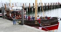 Kutter mit Touristen im Hafen von List, Sylt, nordfriesische Ins