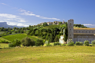 Abtei Sant'antimo und Castelnuovo dell'Abate; in der Nähe von Montalcino, Toskana, Italien