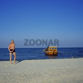 Badegast am Strand von Ahlbeck, Usedom, Ostsee