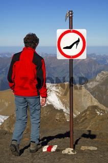 Keine Absatzschuhe in den Bergen