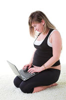 pregnant woman with laptop