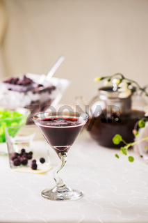 Cocktail from currant