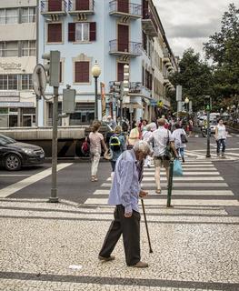 Senior im Strassenverkehr