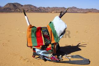 Farbenfroher Tuareg-Sattel für Dromedare