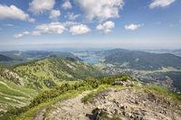 Blick von der Brecherspitze nach Norden zum Schliersee, Bayern