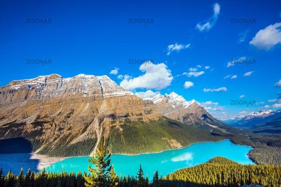 Mountain Lake is popular among tourists