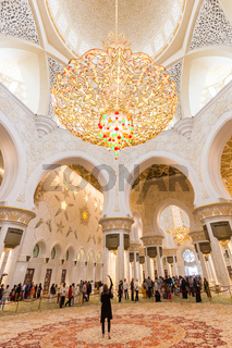 Magnificent interior of Sheikh Zayed Grand Mosque in Abu Dhabi, UAE.