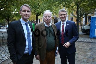 Björn Höcke, Alexander Gauland und Andre Poggenburg (alle AfD) auf der Wahlkampfveranstaltung am 12.09.2017 in Magdeburg