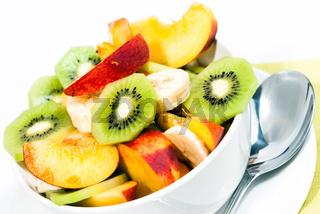 Schale mit frischem Obst V4