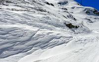 Schneeverwehung am Grossen St Bernhard Pass