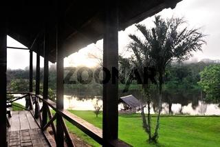 morgens auf dem Balkon der Lodge in Palumeu Suriname