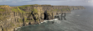 Cliffs of Moher, County Clare, Irland, Europa