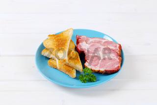 smoked pork with toast