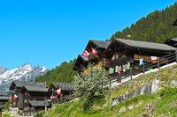 Denkmalgeschütztes Ortsbild mit Schweizer Chalet Häusern