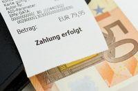 Kassenbeleg auf Fünfig-Euro-Schein (no pr)