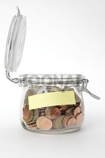 Münzen in Einweckglas