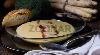 Asparagus  broccoli cream soup