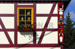 Fachwerkhaus mit Fenster, Seiffen