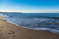 Strand an der Ostseeküste in Warnemünde