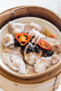 Black bean steamed pork ribs