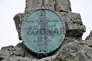 Bronzetafel am Fliegerdenkmal Wasserkuppe Rhön