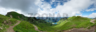 Panorama vom Seealpsee mit Wolken im Allgäu