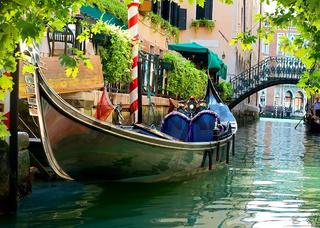 Gondola close up