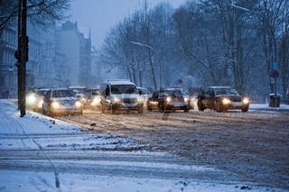 Strassenverkehr im Winter