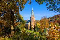 Marschendorf Kirche im Herbst im Riesengebirge - Marschendorf church in autumn in Giant  Mountains in Bohemia