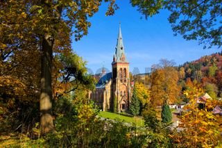 Marschendorf Kirche im Herbst im Riesengebirge - Marschendorf church in autumn in Giant  Mountains in Bohemia
