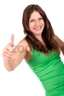 Junge, hübsche Frau mit erhobenem Daumen