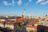 Fernsehturm in Berlin City mit Skyline