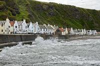 Seepromenade mit Fischerhäusern