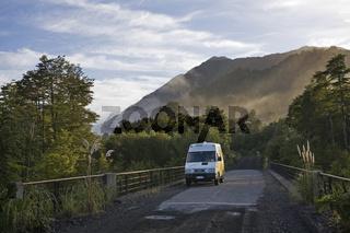 Camper im Pumalín-Park, Carretera Austral, Patagonien, Chile, camperin, Pumalín Park, Carretera Austral, Patagonia, Chile