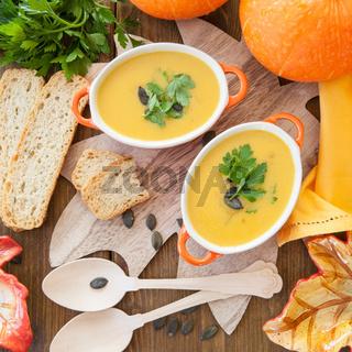 Hausgemachte Kuerbis Suppe